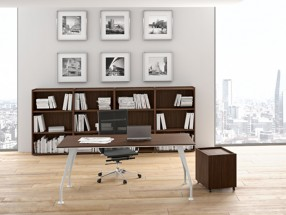 Bureau de direction, piétement vernis blanc L1800xP900xH740